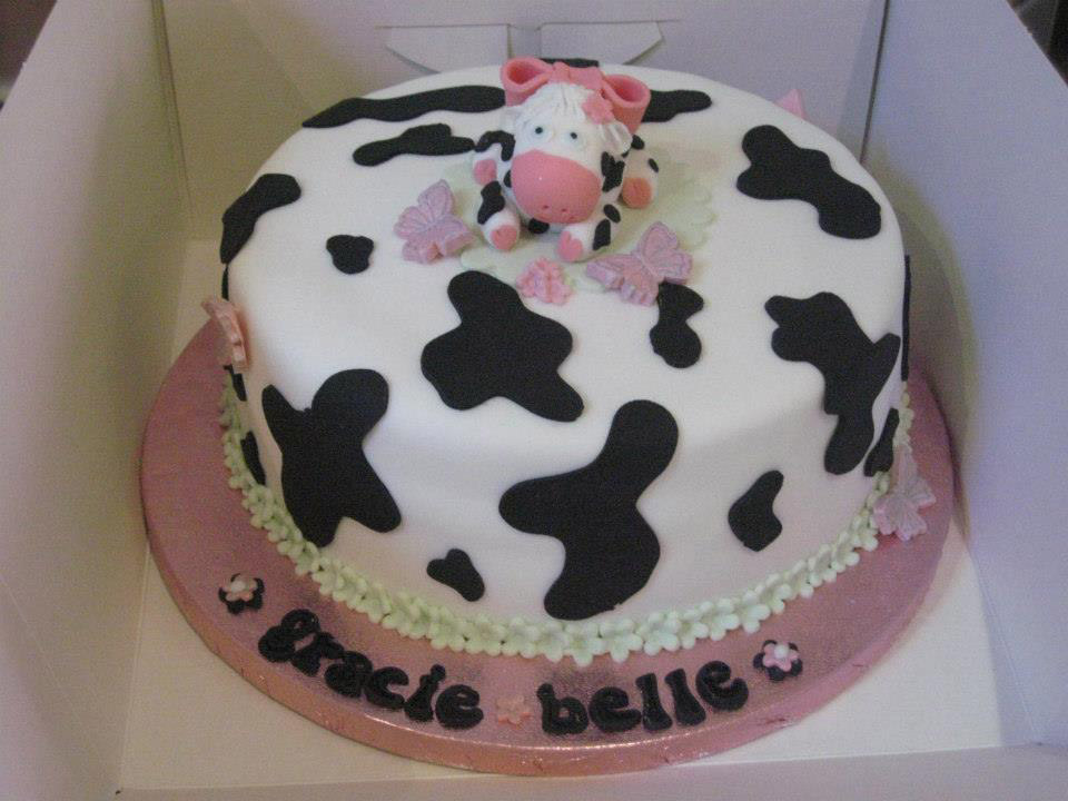 Easy Cow Cake Design : Moo Cow Cake
